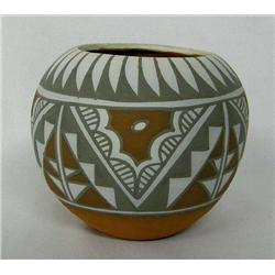1987 Jemez Pottery by Mary Small