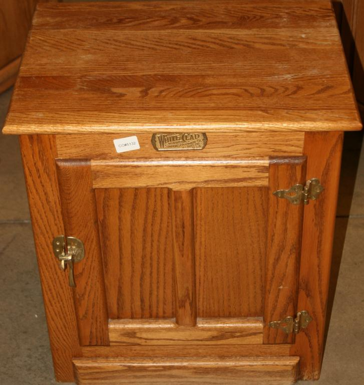 2 Small Wooden Cabinets