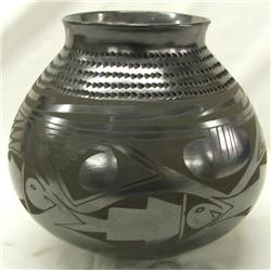 Mata Ortiz Black on Black Pot by Ortiz