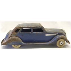 1935 Kingsbury Chrysler Air Flow Tin Toy Car