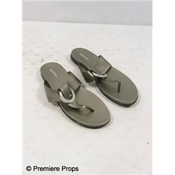 Killers Jen Kornfeldt (Katherine Heigl) Merona Sandals Movie Props