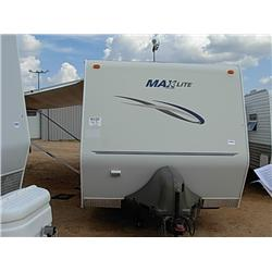 2006 MAXLITE DEALER MODEL TRAVEL TRAILER