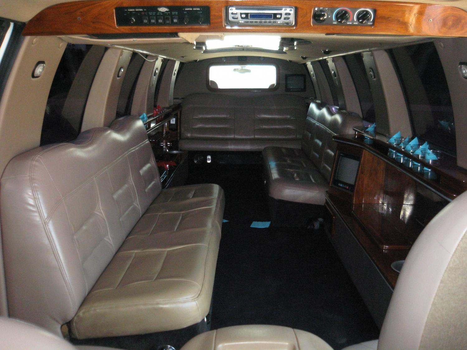 image 5 1999 lincoln navigator 200 stretch limousine