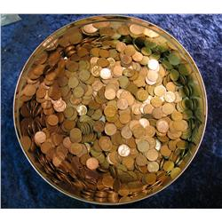 1162. (2500) Mixed Wheat Cents In Cookie Tin.