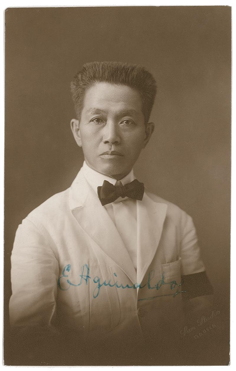 emilio aguinaldo writings Emilio aguinaldo at a young age,28 first president of the first republiche was known as the president of the revolutionary governmenthe led the philippines in the spanish phil war and the american phil war.