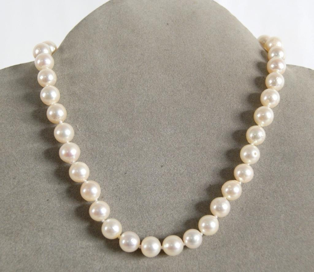 baroque pearl necklace w 14kt g clasp emeralds 14 long excellent lustre 9mm pearls. Black Bedroom Furniture Sets. Home Design Ideas