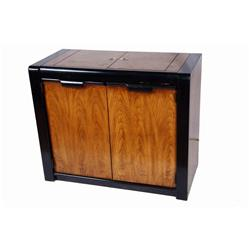 1960s Oak & Black Lacquer Bar Has doors and drawers inside. Measures 38 x18 x32 .Has doors and drawe