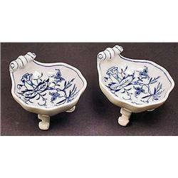 LOT OF 2 MEISSEN FTD BLUE ONION SALT CELLARS - Bot