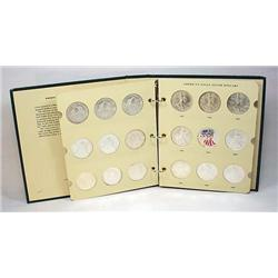 LOT OF 25 AMERICAN SILVER EAGLE DOLLAR IN ALBUM -