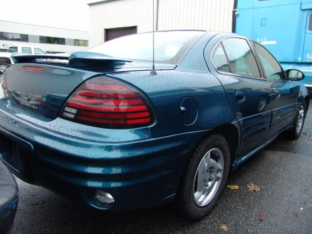 2002 blue pontiac grand am se 4dr sedan. Black Bedroom Furniture Sets. Home Design Ideas