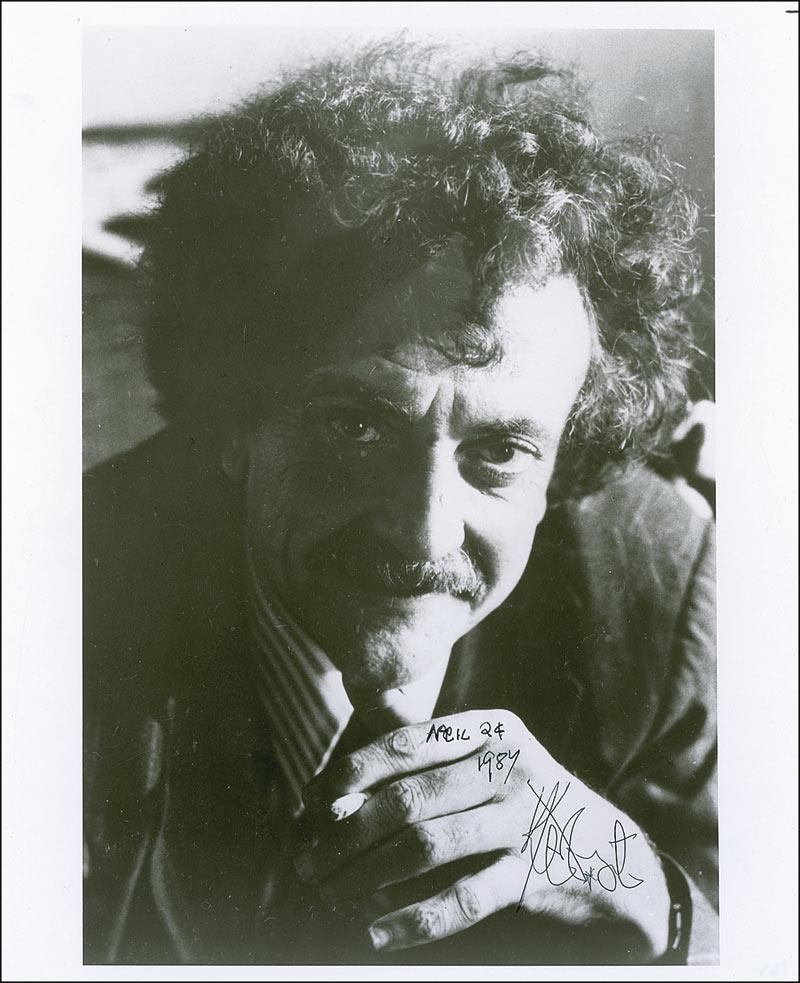 the life of kurt vonnegut jr Watch vonnegut talk to a class at nyu at his family life, writing, man-eating   kurt vonnegut jr was born on november 11, 1922, in indianapolis, indiana.