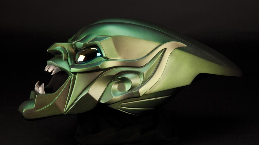 Green Goblin mask worn by Willem Dafoe's character in ...