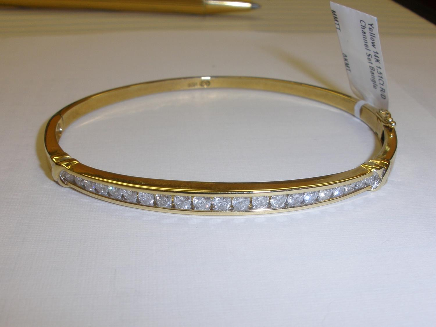 bangle diamonds bangles yellow ctw estate diamond appx bracelet gold product