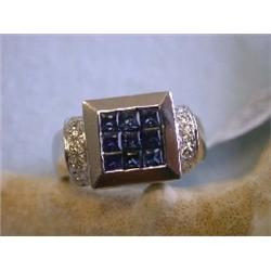 18k White Gold Diamond Ring with Sapphire