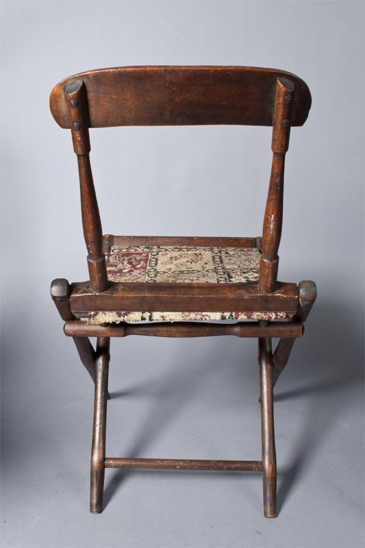 ... Image 4 : (4) Civil War Campaign Chairs