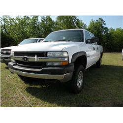 2002 CHEVROLET 2500 CREWCAB 4X4 PICKUP