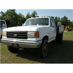 1989 FORD F450 FLATBED TRUCK
