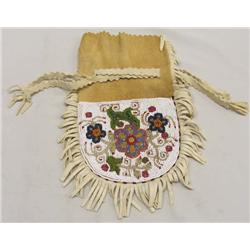 1940 Native American Cree Indian Beaded Doe Skin Bag