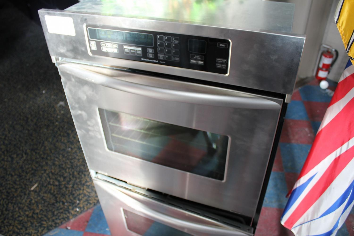 Delightful KITCHENAID SUPERBA DOUBLE WALL CONVECTION OVEN. Loading Zoom