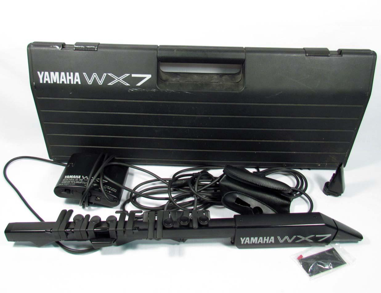 yamaha wx7 wind midi controller in original case. Black Bedroom Furniture Sets. Home Design Ideas
