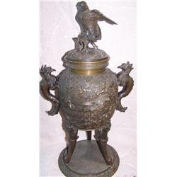 ANTIQUE CHINESE BRONZE TEMPLE URN, 22'TALL