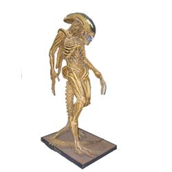ALIEN:RESURRECTION - Full Size Alien Casting