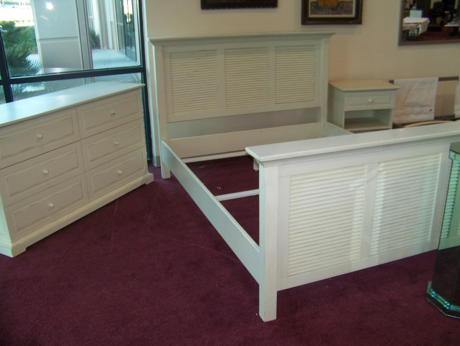 3 Piece Bedroom Set Queen Size Bed Frame Dresser And Night Stand