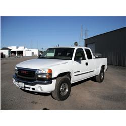 2006 GMC 2500HD Sierra SLE 4 Door Pickup Truck