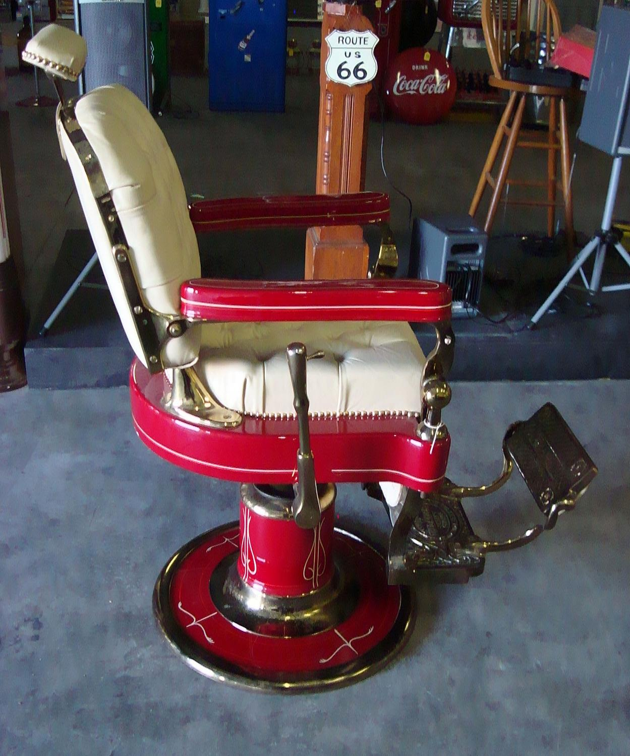 The FINEST Barber Chair on Planet Earth~ Drake Hotel,Chicago Al ...