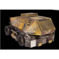 1:6 scale yellow dump truck from Aliens