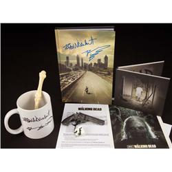 The Walking Dead press kit with pen and coffee mug signed by Frank Darabont
