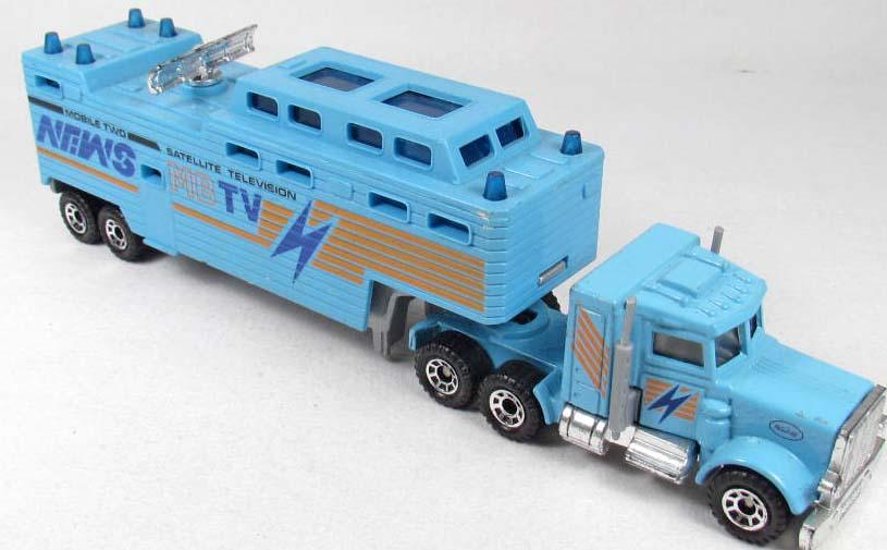 Toy Semi Trucks And Trailers : Matchbox peterbuilt toy semi truck and trailer