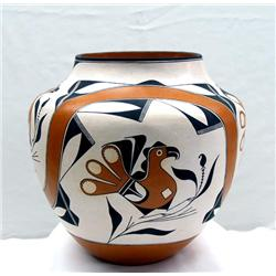 Native American Traditional Acoma Jar by Huwaka