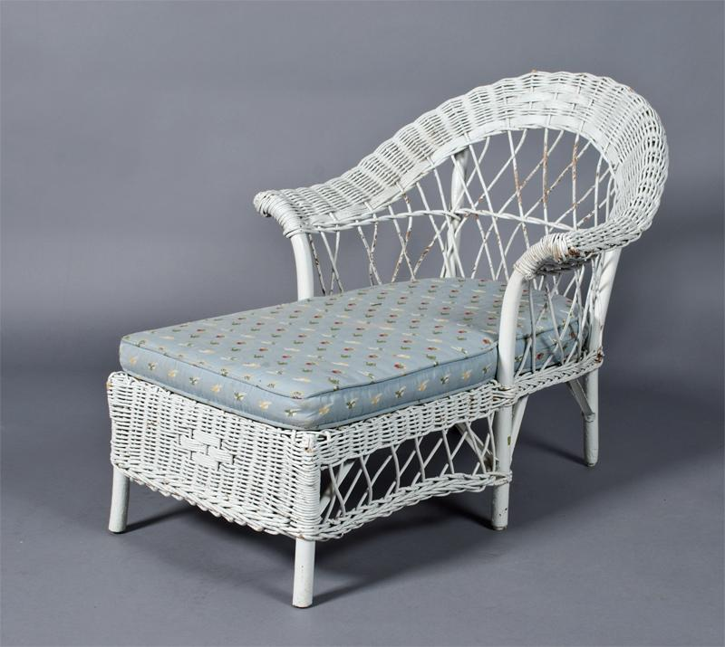 Antique Child S Wicker Chaise Lounge
