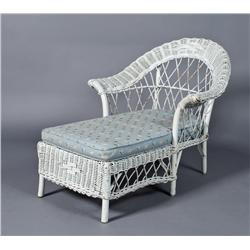 Antique child 39 s wicker chaise lounge for Antique chaise lounge prices