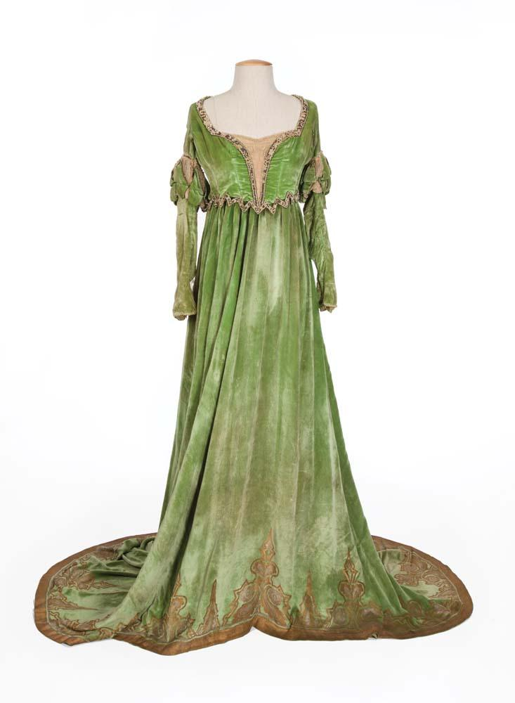 Mary Pickford green velvet gown with beaded bodice from The Taming ...