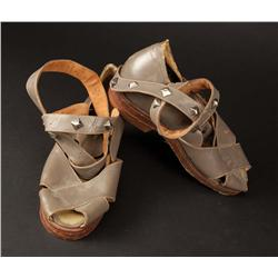 "Robert Taylor ""Marcus Vinicius"" gray leather cross-strapped sandals and calf guards from Quo Vadis"