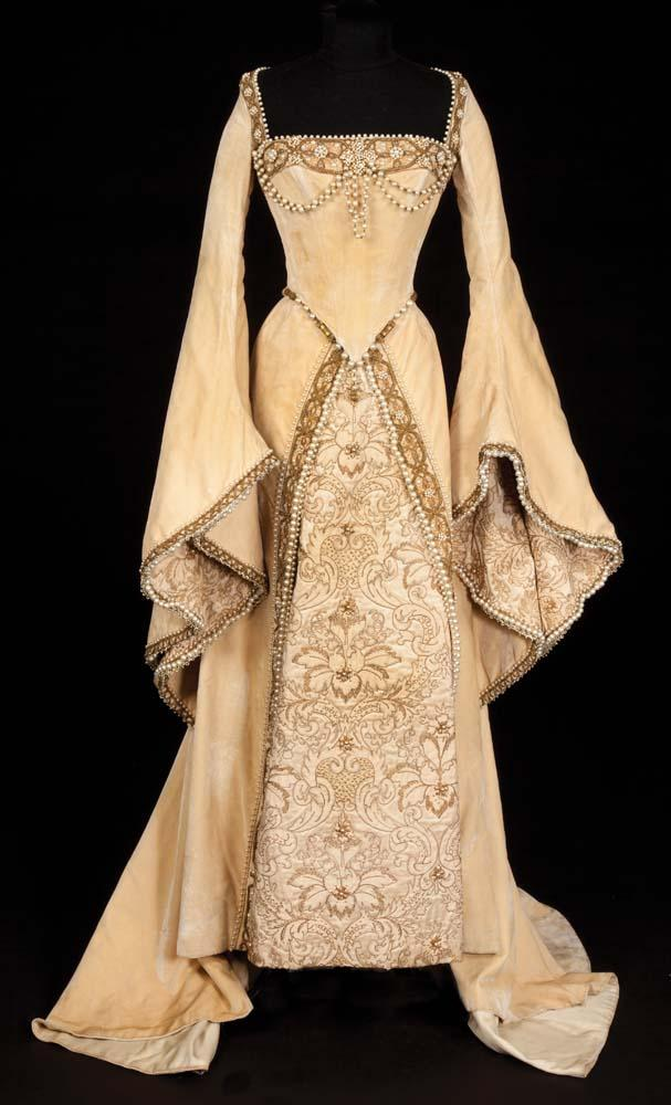 Lana turner champagne velvet pearl encrusted period court for Period style wedding dresses