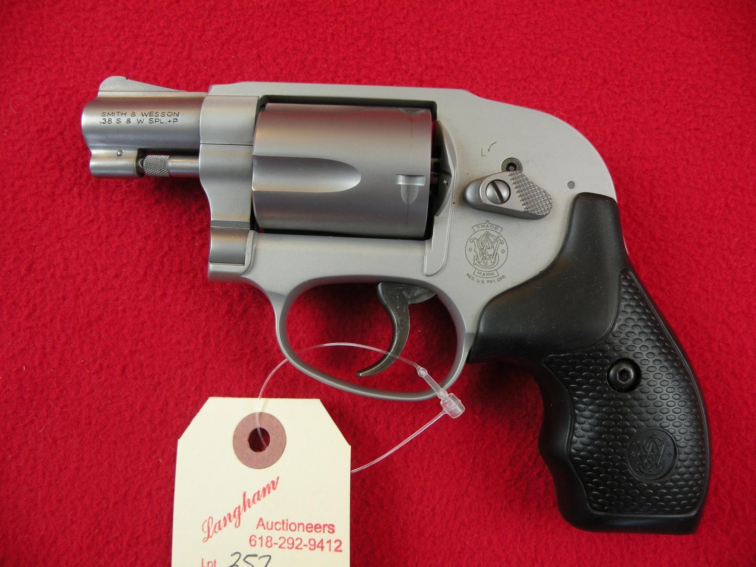 ... Image 3 : Smith & Wesson 638 Airweight 38 Special 5 Shot revolver
