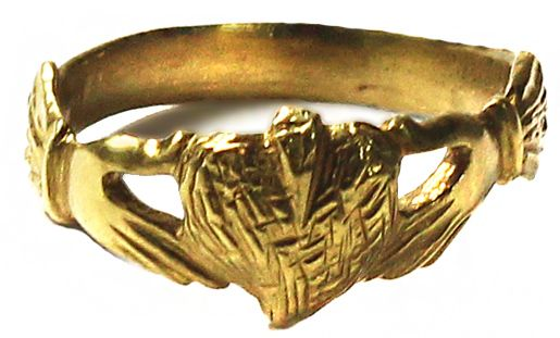 Small but elegant la s gold ring heart in hands design size 3
