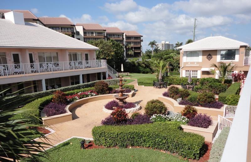 Dover House Resort Delray Beach Fl Loading Zoom