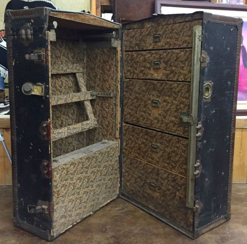 antique trunk 87960