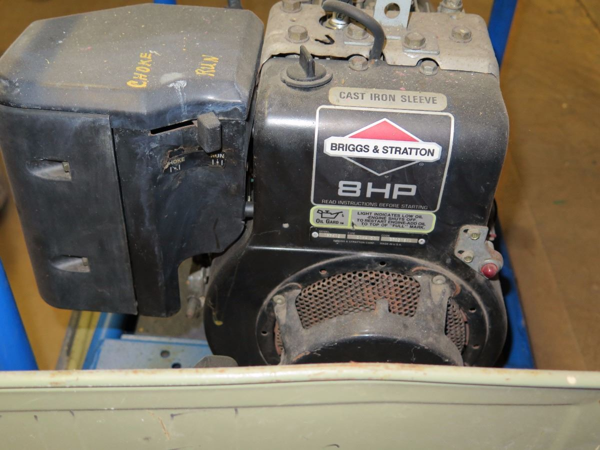 Image 8 Hp Portable Electric Generator Briggs Stratton Model Gb4000 2