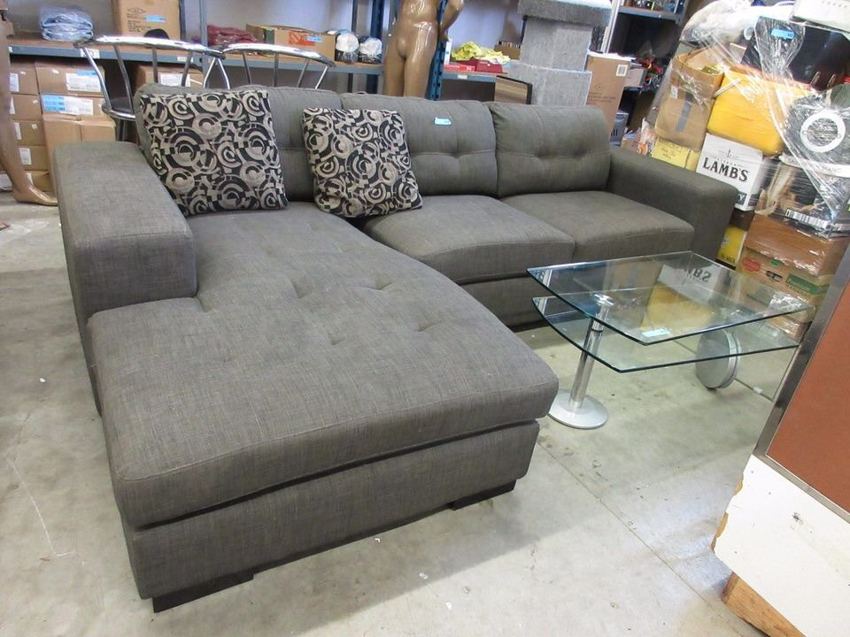 Image 1 9 Foot Sectional Sofa With Chaise End