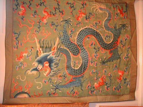 Image 1 Antique Chinese Silk Embroidered Wall Hanging