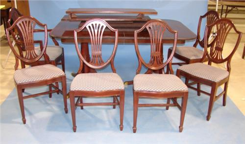 Image 1 Duncan Phyfe Style Dining Table With 6