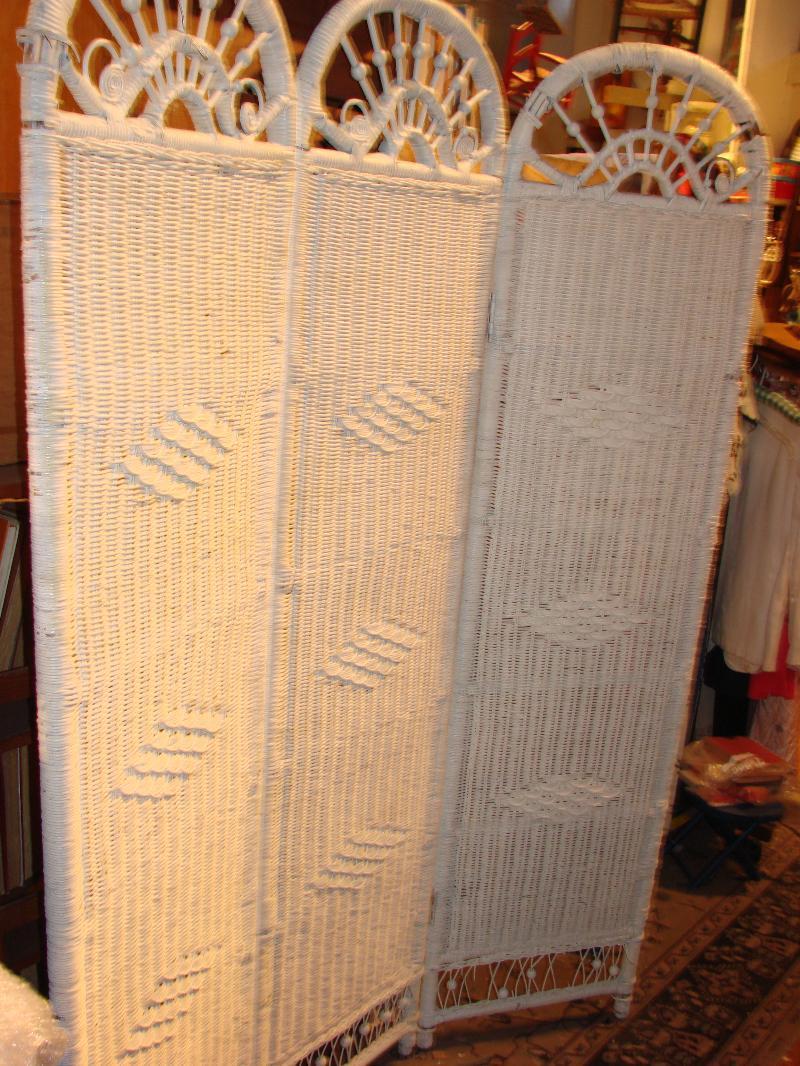 Image 1 White Wicker Tri Fold Room Divider