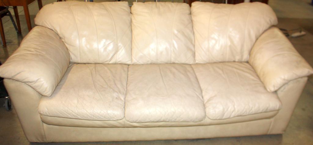 Cream color leather sofa best 25 cream leather sofa ideas for Cream leather sofa