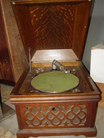 Sears Silvertone Table Model Phonograph Quartersawn Oak Cabinet No Reproducer Loading Zoom
